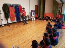 alumnos de 4 y 5 años del colegio esclavas visitan el planetario