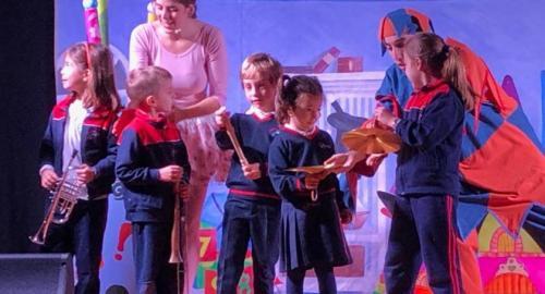 Los alumnos del colegio esclavas disfrutan con el teatro en inglés