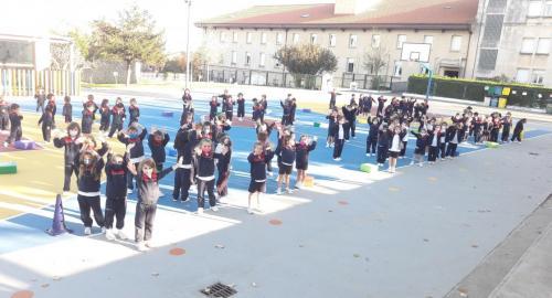 Los niños y niñas de Infantil del Colegio Esclavas celebran el Día de la Amistad